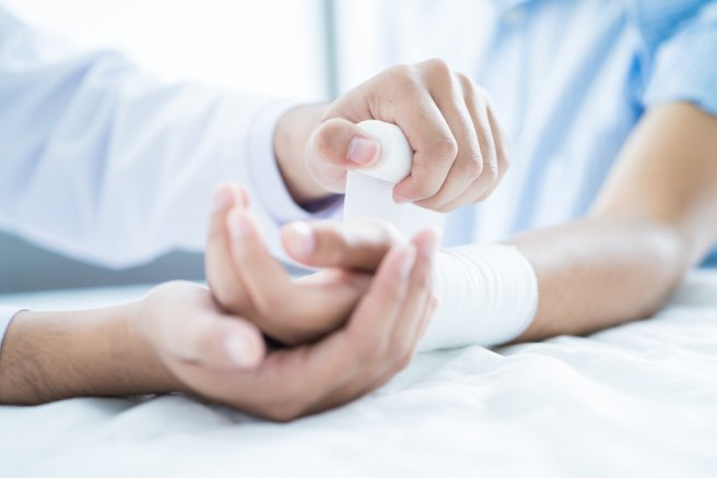 New surgical glue seals wounds in 60 seconds