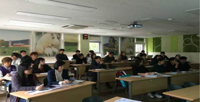 Editage Insights conducts workshop for EFL clients at Sunchon National University
